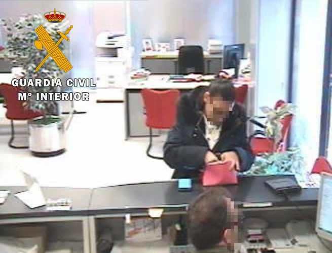 La Guardia Civil ha detenido en Toledo y Alicante a dos personas por estafar 26.000 € a una empresa