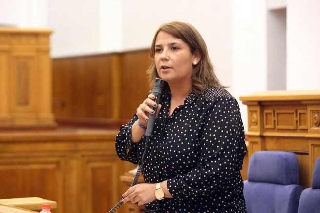 El Gobierno regional recuerda que pagó casi 16 millones de euros de deuda del anterior Ejecutivo para poner en funcionamiento el convenio del abono E2 de 2016