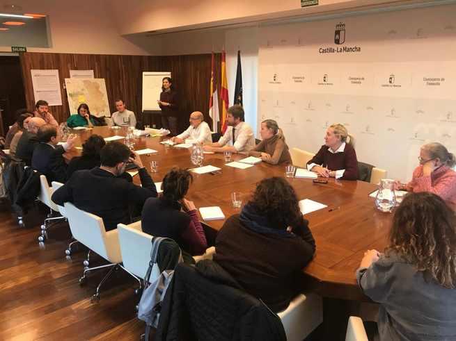 El Gobierno de Castilla-La Mancha recoge ideas y demandas y busca nuevos implicados para desarrollar la Estrategia Regional de la Bicicleta