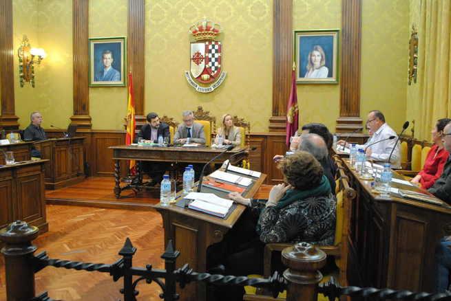El Pleno de Valdepeñas insta a la CHG a tomar medidas en pozos del término municipal