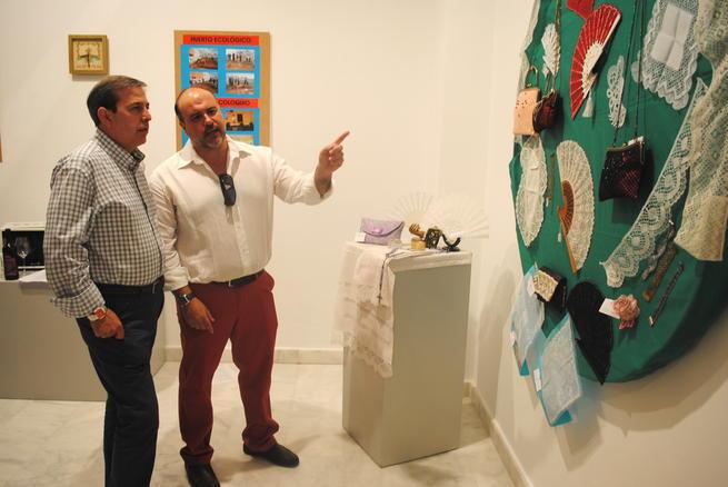 """""""La Confianza"""" acoge una exposición de trabajos de la Universidad Popular de Valdepeñas"""