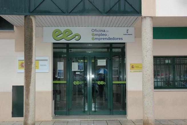 Marzo deja 133 desempleados menos en castilla la mancha for Oficina virtual de empleo castilla la mancha