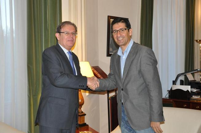 Imagen: La Diputación contribuye con 120.000 euros a la financiación de un taller de estudio de la UCLM