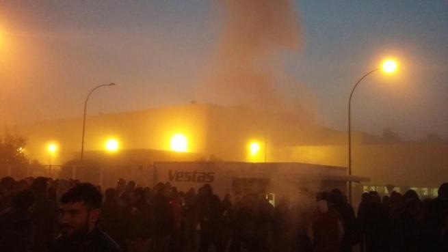 Imagen:  Seguimiento unánime de la primera jornada de Huelga en Vestas en Daimiel