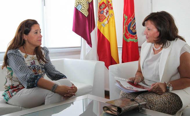 """imagen de Rosa Romero califica de """"ejemplar"""" la labor que APAFES realiza con los enfermos mentales y sus familias"""