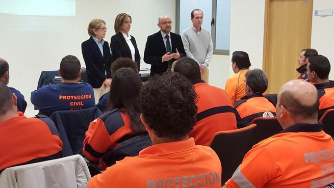 Imagen: El Gobierno regional agradece a los voluntarios de Protección Civil que sean punta de lanza de la solidaridad