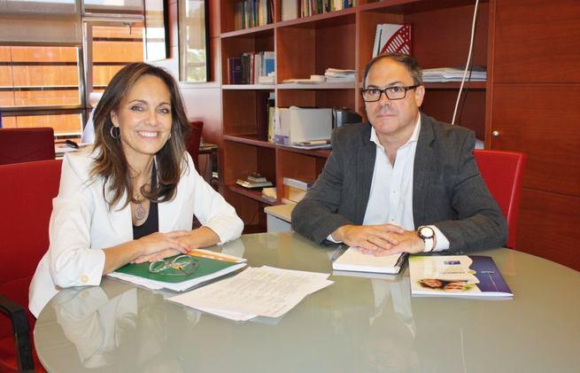 Imagen: López-Casero transmite a la JCCM las líneas de actuación de la Fundación en materia de discapacidad