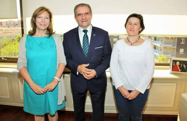 Imagen: Caja Rural Castilla-La Mancha y APANAS, unidas por su 50 Aniversario