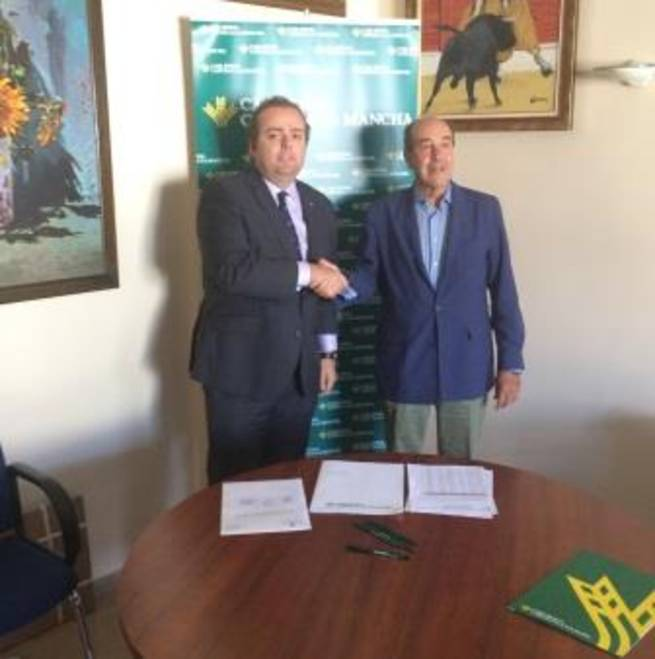 """Imagen: Caja Rural CLM ayudará a activar las ventas de las parcelas del Polígono """"Campo de Aviación"""" de Sta. Cruz de Mudela"""