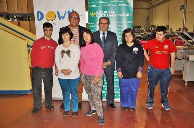 """Imagen: La Fundación Caja Rural Castilla-La Mancha reconoce la """"importante y eficiente labor"""" de Down Toledo"""