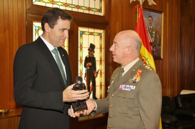 Imagen: Víctor Manuel Martín López, distinguido como Alférez Cadete de Infantería Honorífico