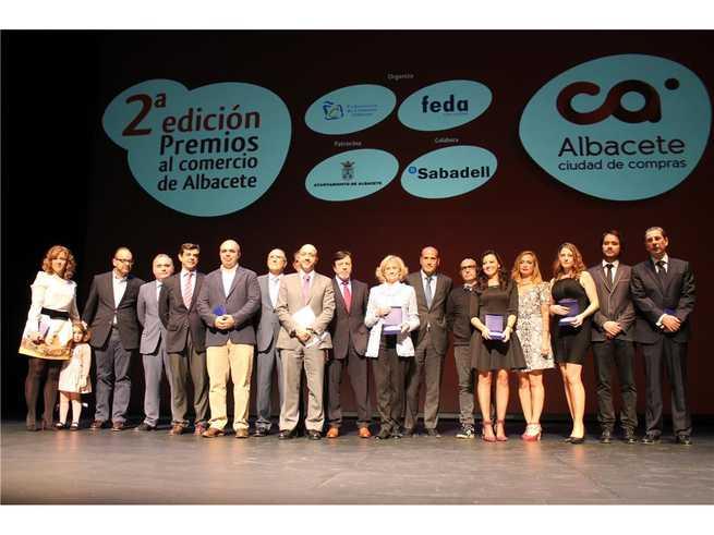 imagen de Constantino Berruga asiste a la II edición de los premios al comercio de Albacete