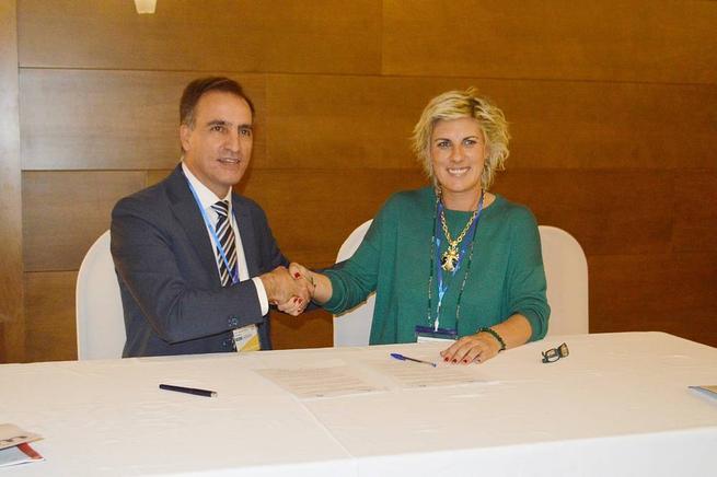 Imagen: La Asociación de Empresarios de la Comarca Tomelloso e Itecam firman un convenio de colaboración
