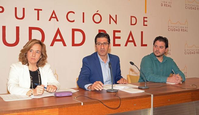 Imagen: La Diputación duplicará las ayudas para libros y material escolar