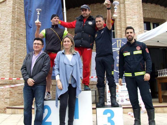 Imagen: Milagros Tolón asiste a la entrega de trofeos de la XVII Carrera de Bomberos de Toledo