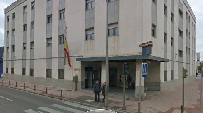 Imagen: La Policía Nacional ha detenido a quince personas como presuntas autoras de los delitos  de falsedad documental y estafa en Ciudad Real