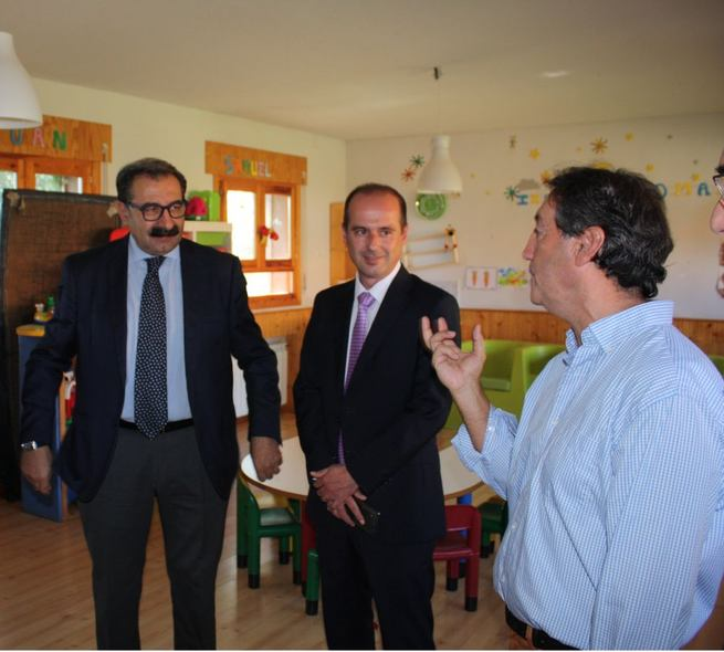 Imagen: Fernández Sanz destaca la labor que la ONG Proyecto Hombre realiza en el campo socio terapéutico en la región