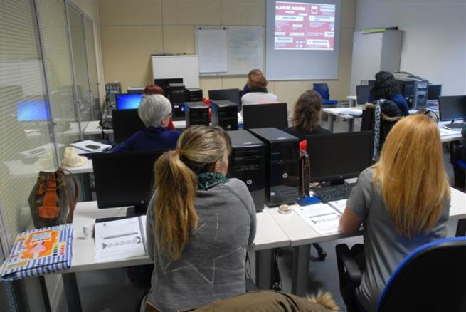 """Imagen: Arranca el curso de formación como """"Community Manager"""" impartido desde la Concejalía de Igualdad de Ciudad Real"""