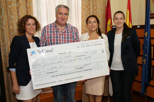 imagen de Más de 50 familias de Almodóvar se veran beneficiadas de los 4000 euros de la Obra Social de la Caixa