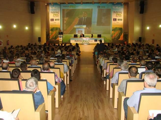 imagen de Alrededor de mil profesionales han estado presentes en la Jornada sobre las Novedades de la PAC, que ha tenido lugar en el Paraninfo de la UCLM en Cuenca