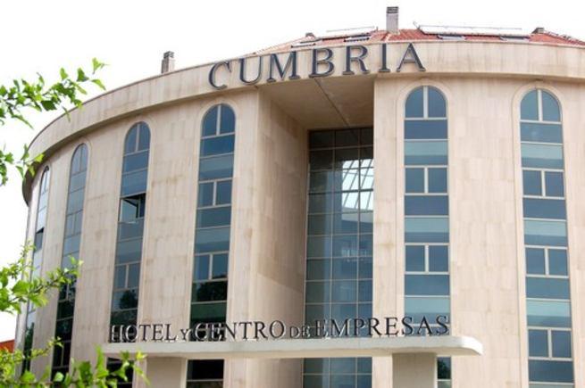 Imagen: El Ayuntamiento retira la orden de cerrar el edificio Cumbria tras el Plan de Autoportección