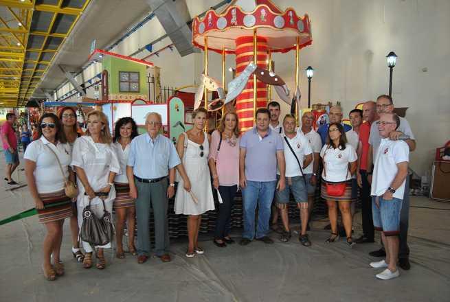 imagen de Manuel Serrano visita las carrozas que saldrán en la cabalgata el próximo día 7 de septiembre