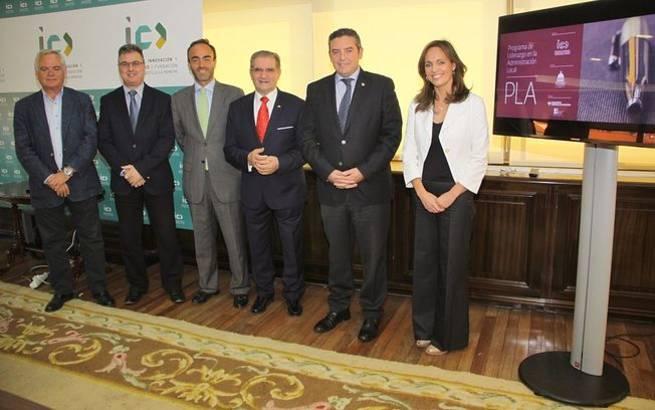 Imagen: Más de ochenta alcaldes y concejales inscritos en el programa de liderazgo y comunicación de la Fundación Caja Rural CLM