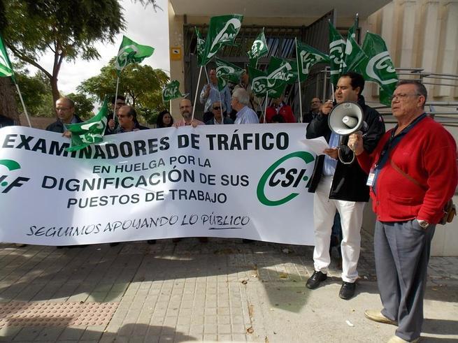 Imagen: La huelga de examinadores de tráfico deja ya casi 800 afectados en Ciudad Real y provincia