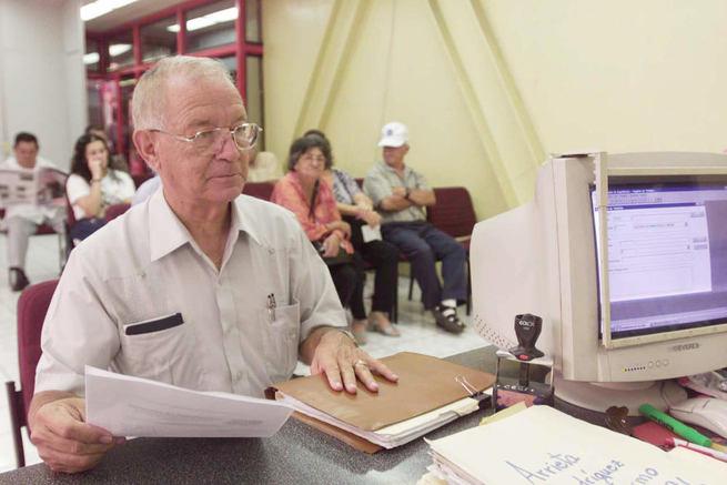 Imagen: El número de pensiones en Castilla-La Mancha se situó en 361.938 en octubre