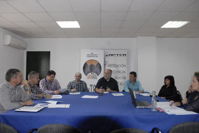 """Imagen: APTCR intensificará su campaña de la APP """" Entaxi"""""""