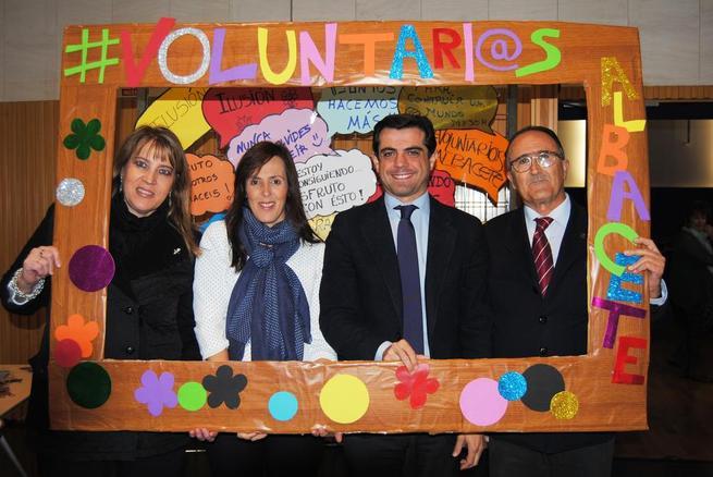 """Imagen: """"Los voluntarios son el motor social que mueve el espíritu solidario de Albacete y la palanca de cambio que hace posible un mundo mejor"""""""