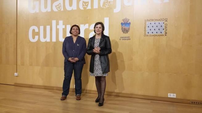 Imagen: La directora del Instituto de la Mujer agradece el trabajo de las organizaciones que trabajan por erradicar la Violencia de Género
