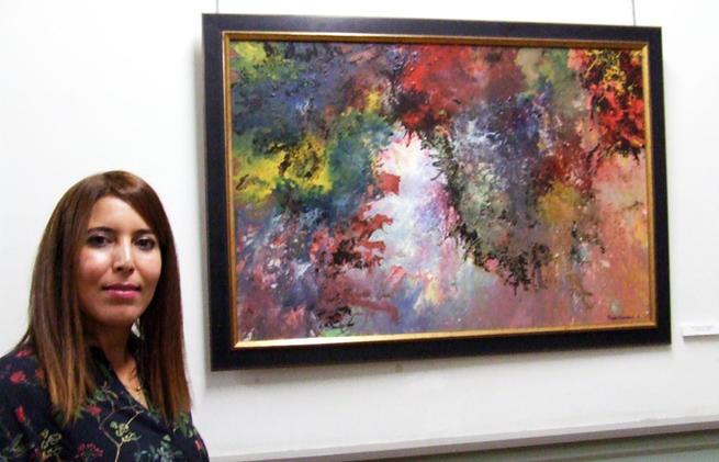 Imagen: Un estallido de color y emociones en la biblioteca de CLM con Raya Azaroual