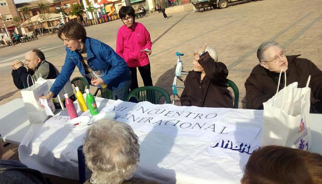 Imagen: El XII Encuentro Intergeneracional reúne a 150  mayores y niños y niñas de Villafranca
