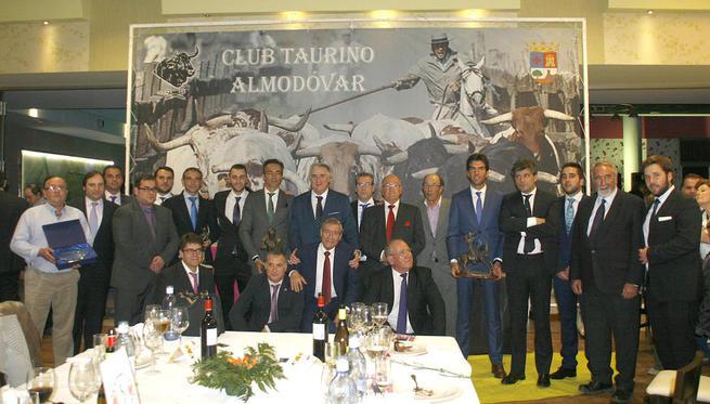 Imagen: Más de 300 personas en la clausura de la semana cultural del club taurino de Almodóvar
