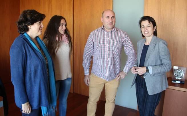 Imagen: Reyes Estévez conoce las principales inquietudes del alumnado de la Universidad regional y se compromete a facilitar la colaboración del Gobierno de Castilla-La Mancha