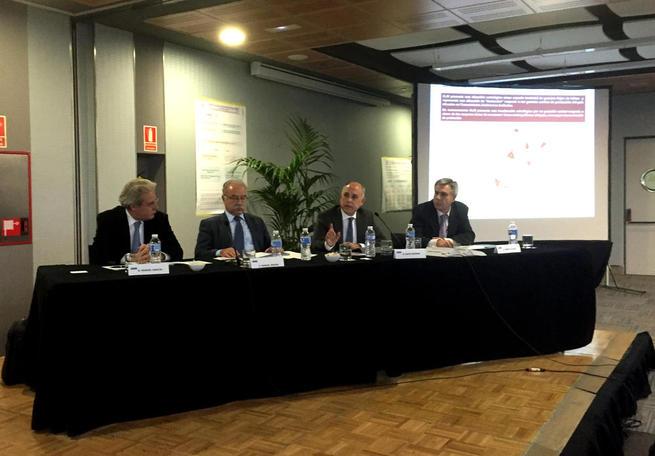 Imagen: El director general de Transportes acentúa la importancia logística de Talavera ante los profesionales del sector