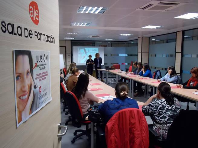 Imagen: AJE Ciudad Real forma a una veintena de mujeres para impulsar sus ideas empresariales