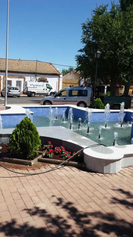 imagen de La fuente del Parque Municipal de Porzuna entra en funcionamiento con su nueva imagen