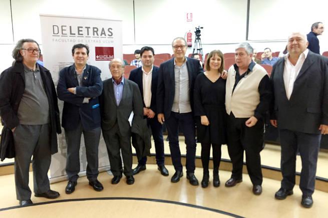 Imagen: Ángela Vallvey, Dionisio Cañas y Corredor Matheos apadrinan en la UCLM la gran antología de la poesía manchega