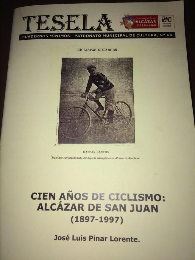Imagen: Cien años de ciclismo 1897-1997, nueva Tesela del Ayuntamiento de Alcázar de San Juan