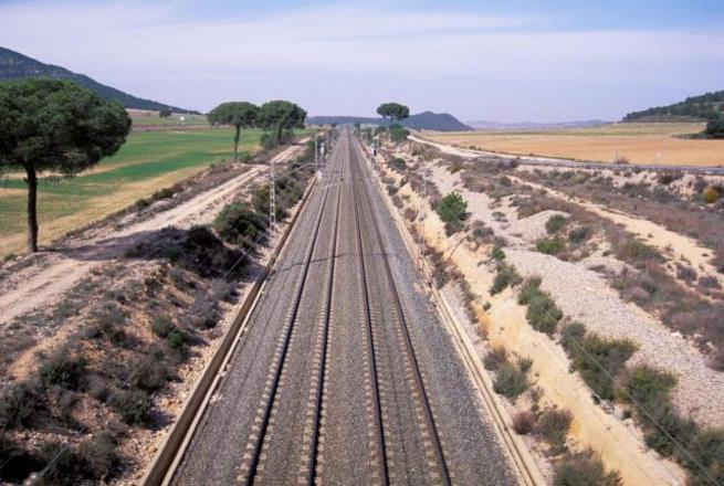 Imagen: Adif adjudica el mantenimiento del control de tráfico de las líneas Madrid-Sevilla, Córdoba-Málaga y el ramal Sagra-Toledo