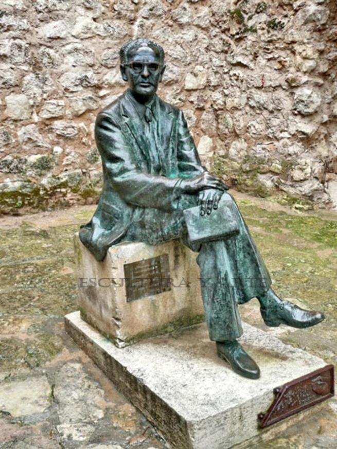 imagen de Escultura a Federico Muelas en Cuenca