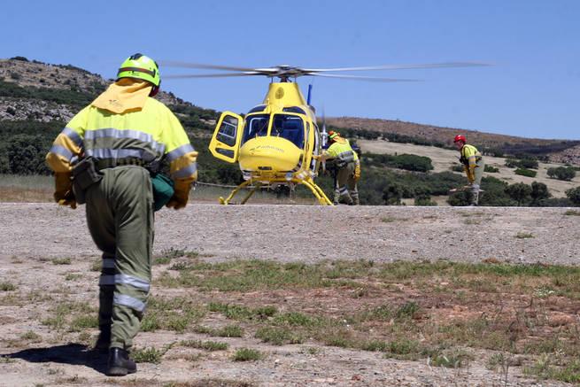 Imagen: Los bomberos y forestales efectuaron un total de 3.580 intervenciones en la Región durante los meses de verano