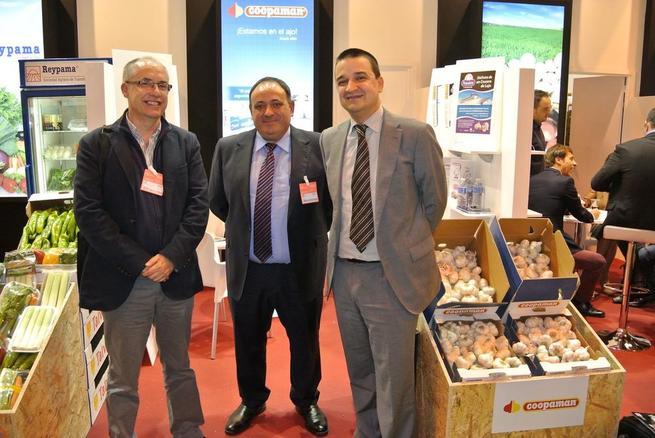 Imagen: El Gobierno regional muestra su apoyo al sector de frutas y hortalizas de Castilla-La Mancha en 'Fruit Attraction'