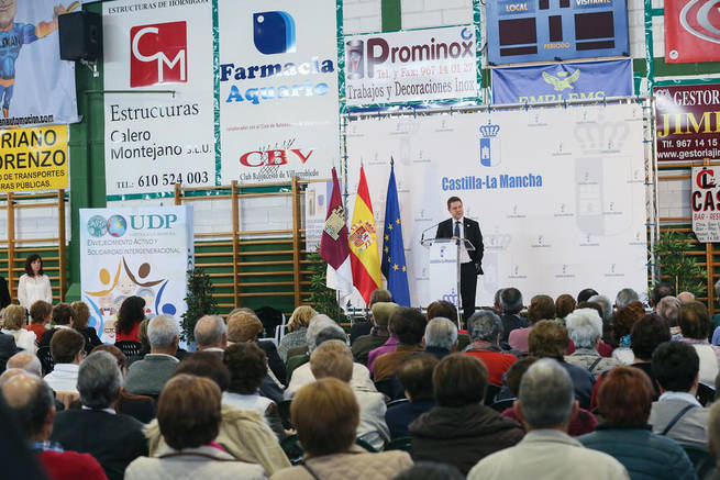 Imagen: El presidente de Castilla-La Mancha reconoce el trabajo de los voluntarios y la Unión Democrática de Pensionistas a favor de los mayores de la Región