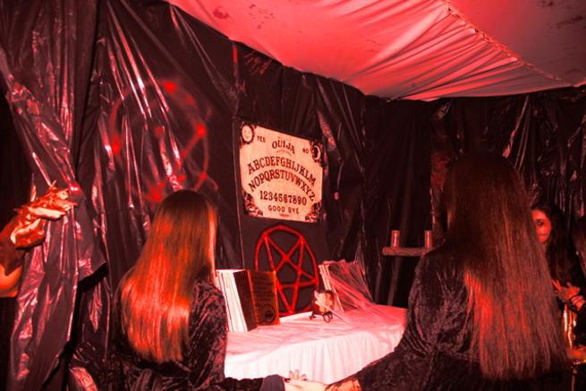 """Imagen: Cerca de 300 personas se aterrorizaron en el pasaje de la """"V Noche de Halloween"""""""