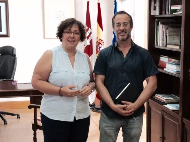 Imagen: El alcalde de Poblete se reunió con la delegada de la JCCM a la que reclamó el pediatra y una unidad de citaciones