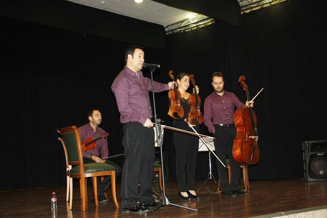 imagen de La música de los violines acompañará a los más pequeños hacia sus clases, en el comienzo del curso escolar en Poblete