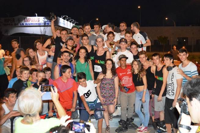 Imagen: Cientos de jóvenes disfrutan de las actividades  del Día de la Juventud en el Skate Park